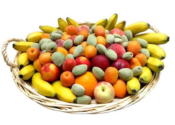 Corbeilles de fruits en Juin