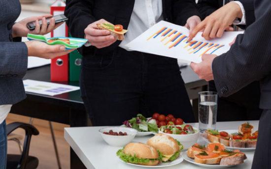 10 idées pour organiser le petit déjeuner idéal en entreprise