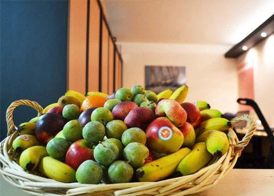 Corbeilles de fruits en Juillet